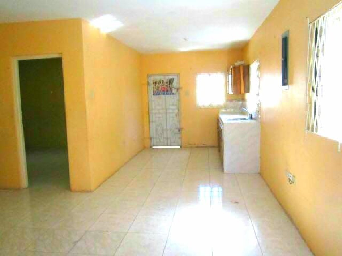 3 Bedroom 2 Bathroom House For Sale In Portmore Pines St Catherine Houses