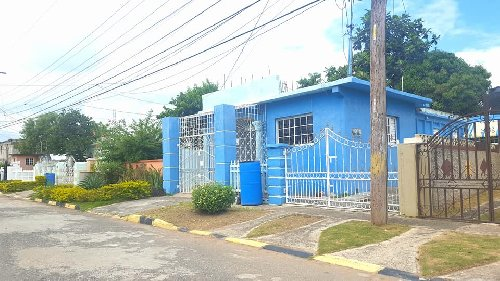 3 Bedroom 2 Bathroom House For Sale