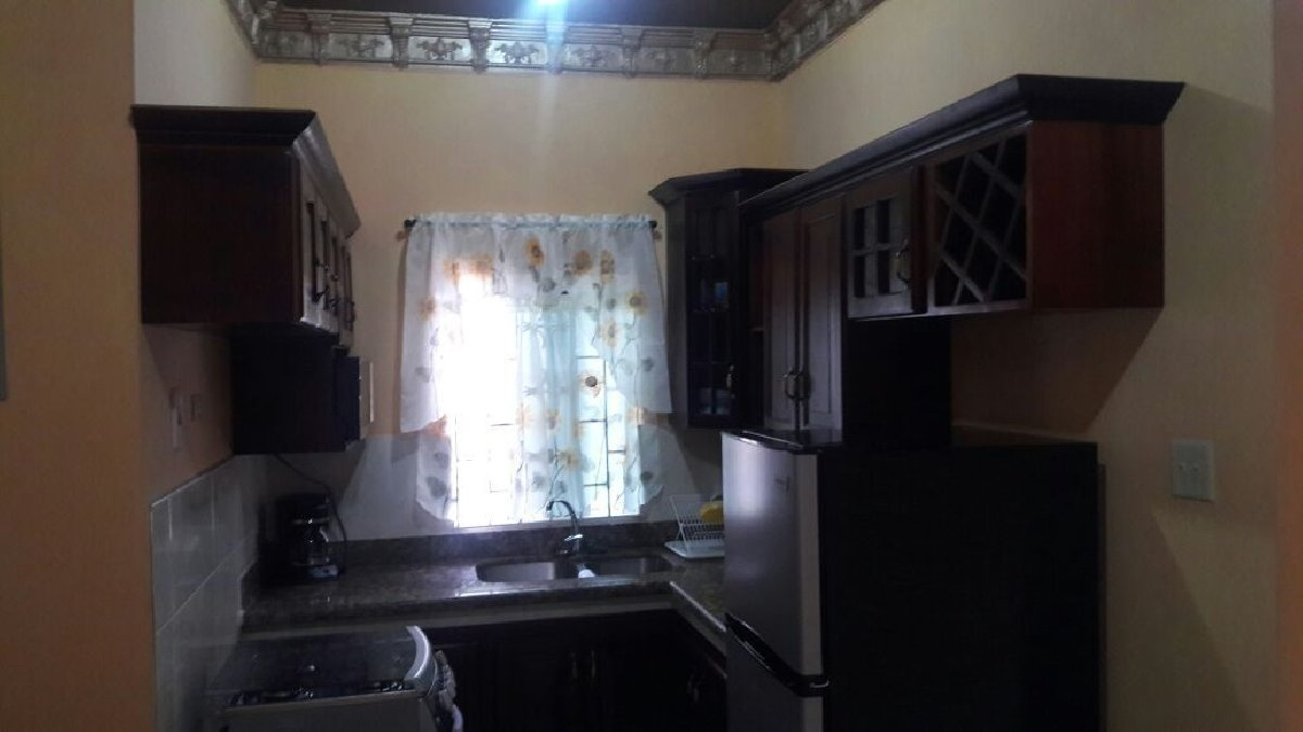 furnished apt for rent in ocho rios short term in 258 tay street