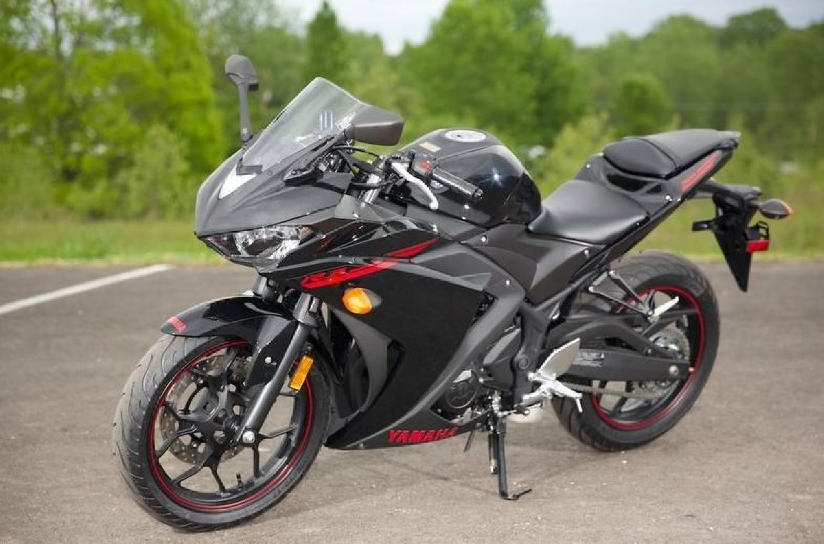 2015 yamaha yzf r3 for sale in kingston kingston st andrew bikes. Black Bedroom Furniture Sets. Home Design Ideas