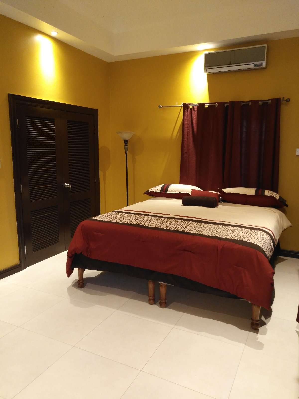Furnished Two Bedroom Apartment For Rent In Coral Gardens St James Apartments