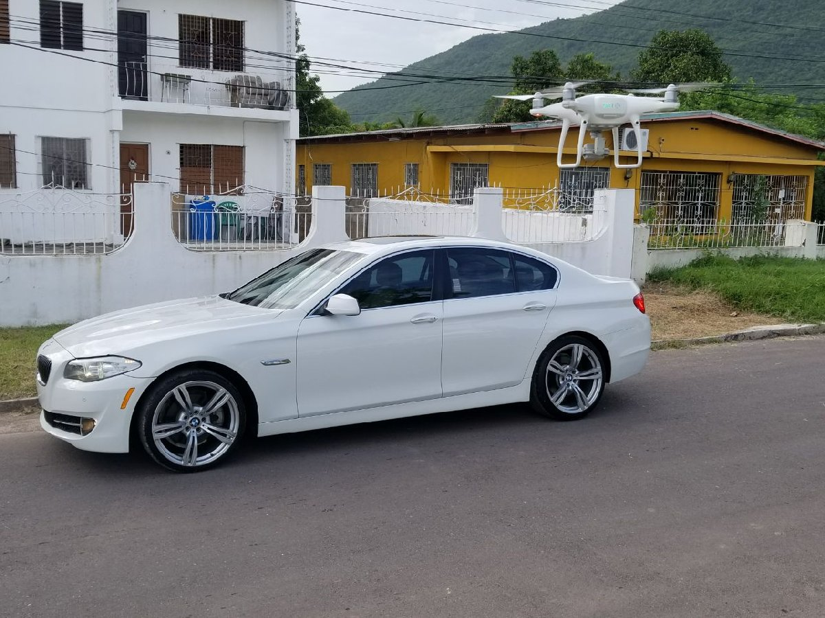 2012 bmw 528i for sale in kingston kingston st andrew phone accessories. Black Bedroom Furniture Sets. Home Design Ideas