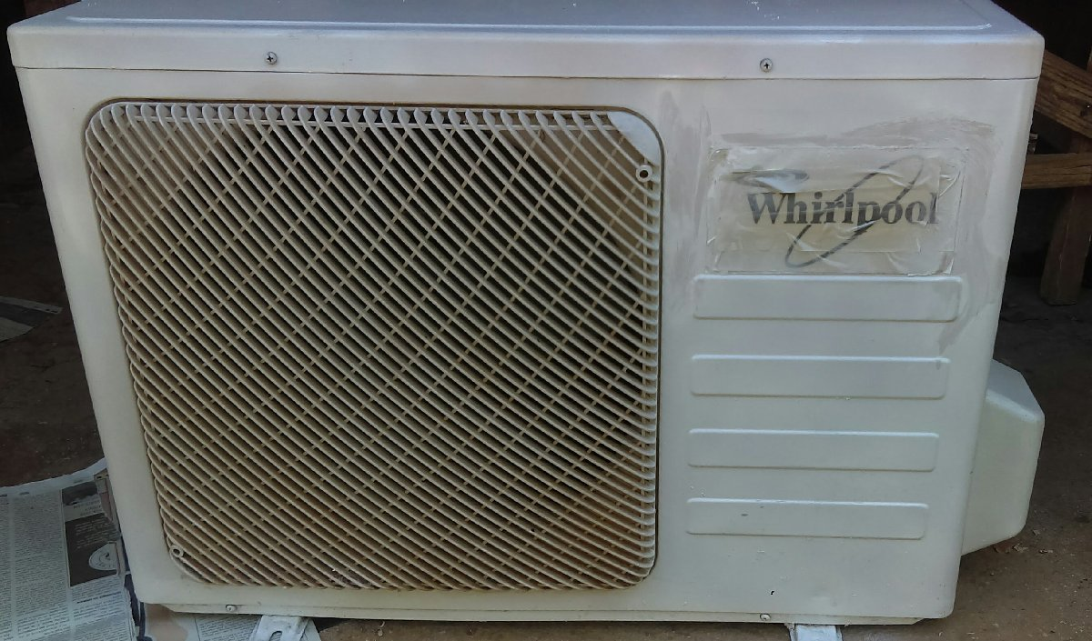 Whirlpool Air Conditioning Unit for sale in Spanish Town Off