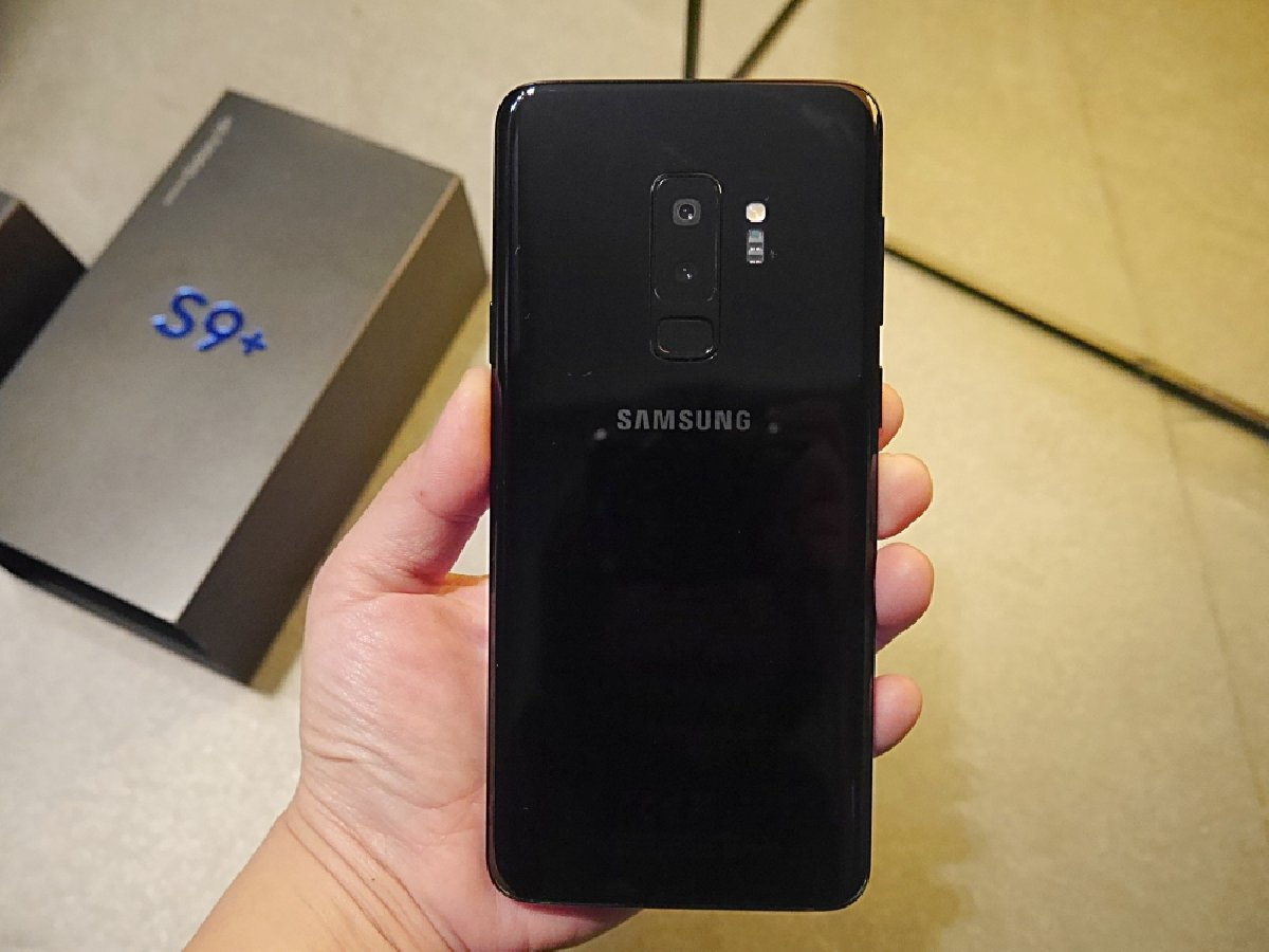 brand new samsung galaxy s9 plus 64gb for sale in kingston. Black Bedroom Furniture Sets. Home Design Ideas