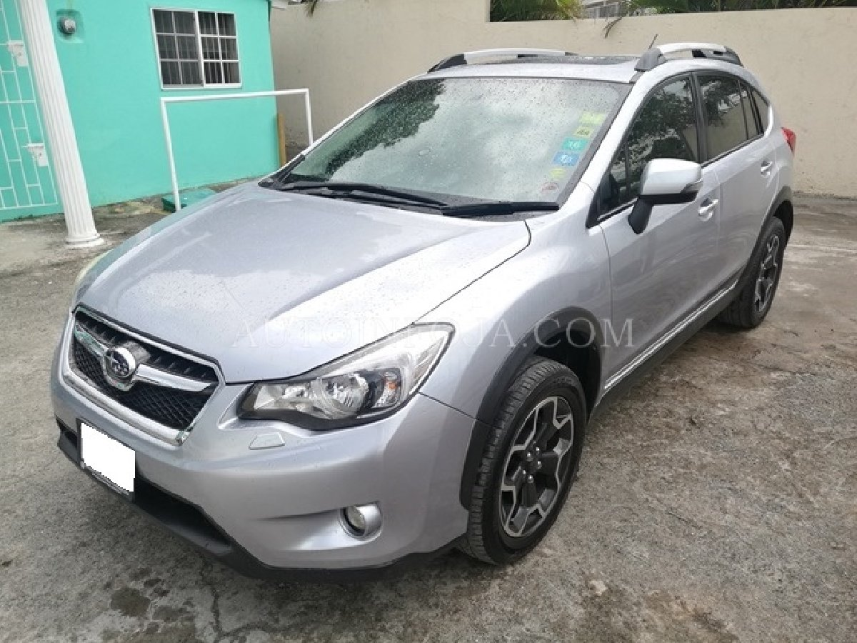 2012 subaru xv crossover suv for sale in mona kingston st andrew vans suvs. Black Bedroom Furniture Sets. Home Design Ideas