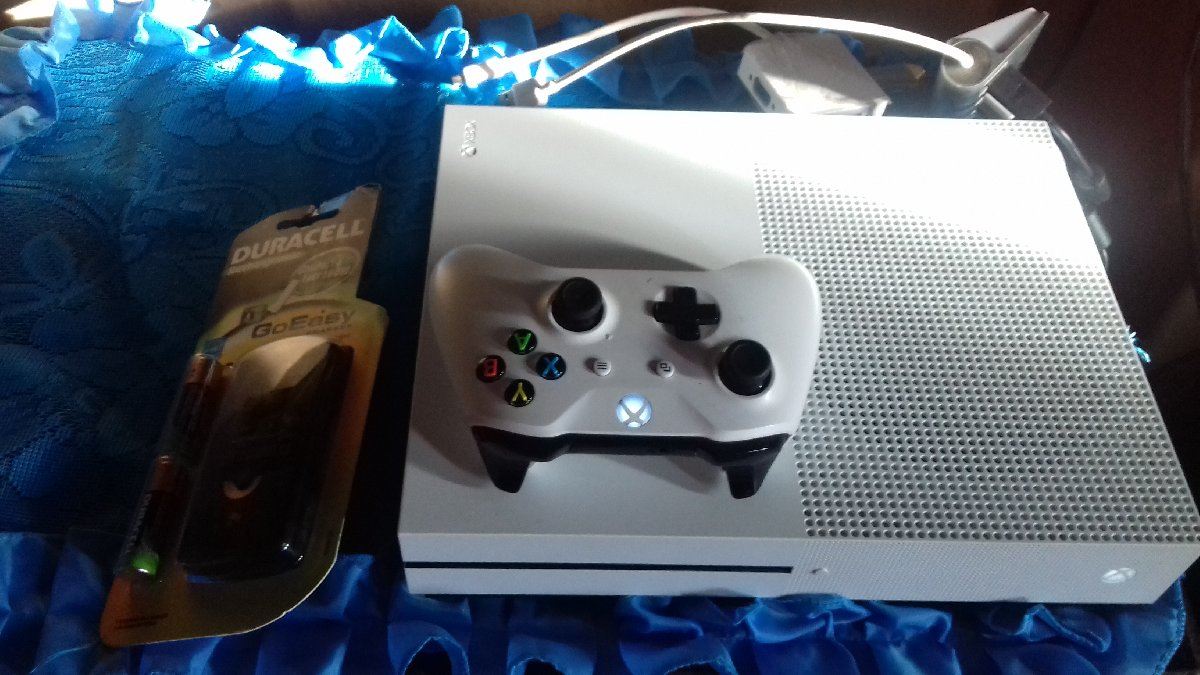 how to add additional users xbox one s