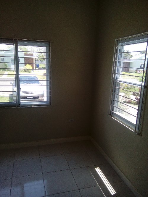 2 Bedroom House For Sale, Dont Miss This Deal!!!