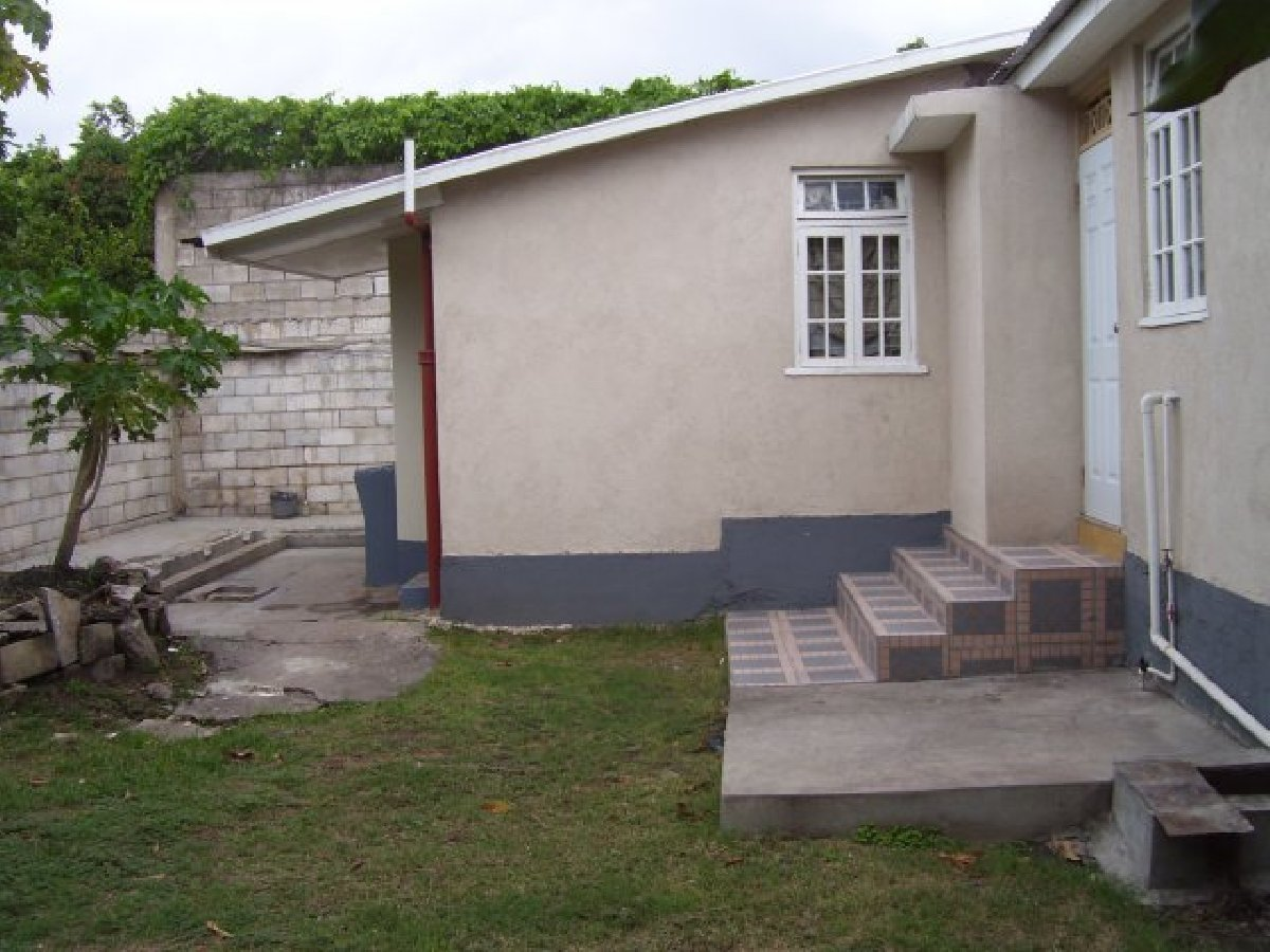 2 Bedroom 2 Bath House For Rent