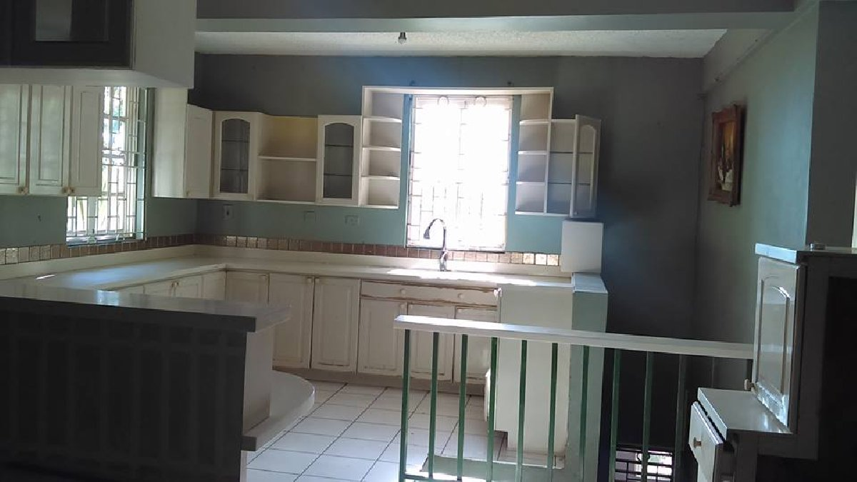 5 Bed/r 4 5 Bath/r Living, Dinning, Kit, Balcony for sale in