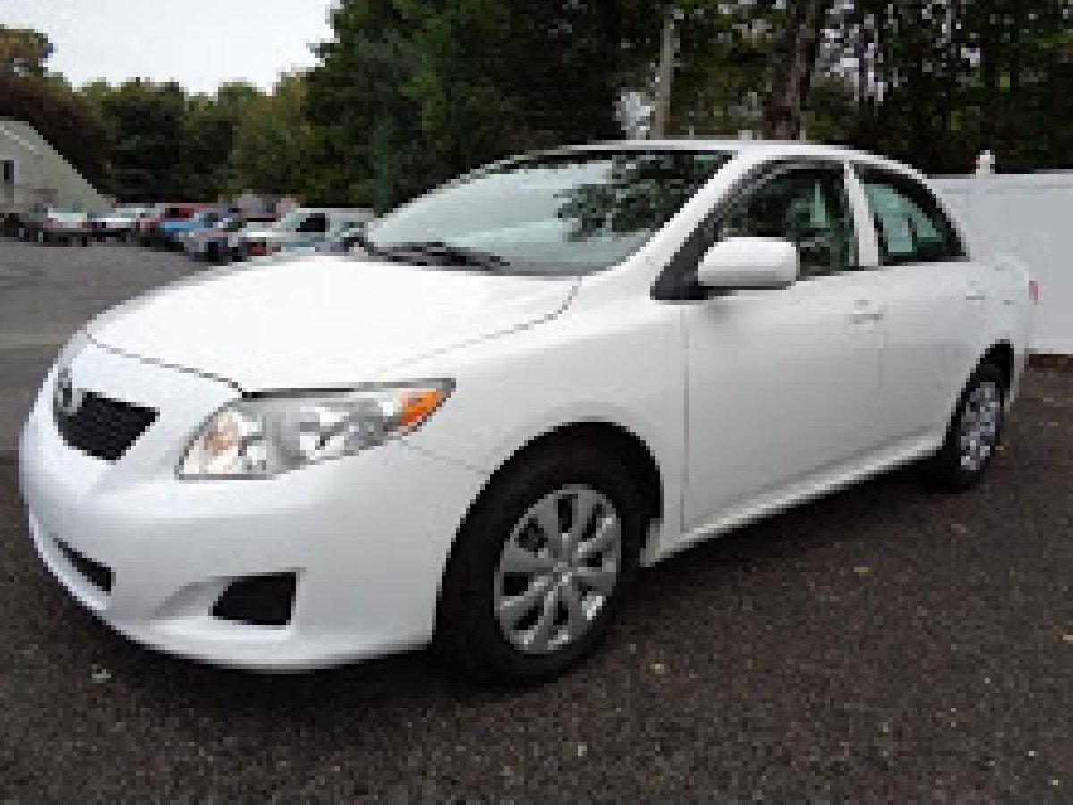 2010 toyota corolla for sale in outside jamaica other cars. Black Bedroom Furniture Sets. Home Design Ideas