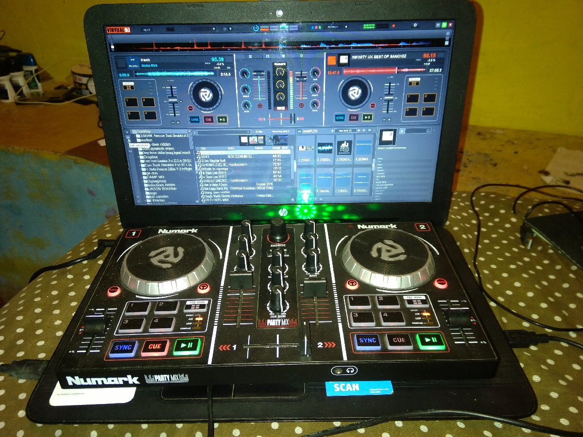 Numark Party Mix for sale in Christiana Manchester