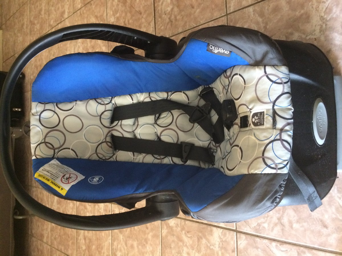 used baby car seat evenflo for sale in mandeville manchester for 10 000 baby. Black Bedroom Furniture Sets. Home Design Ideas