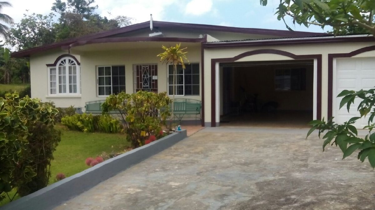 3 Bedroom House For Sale In Mandeville Jamaica Manchester