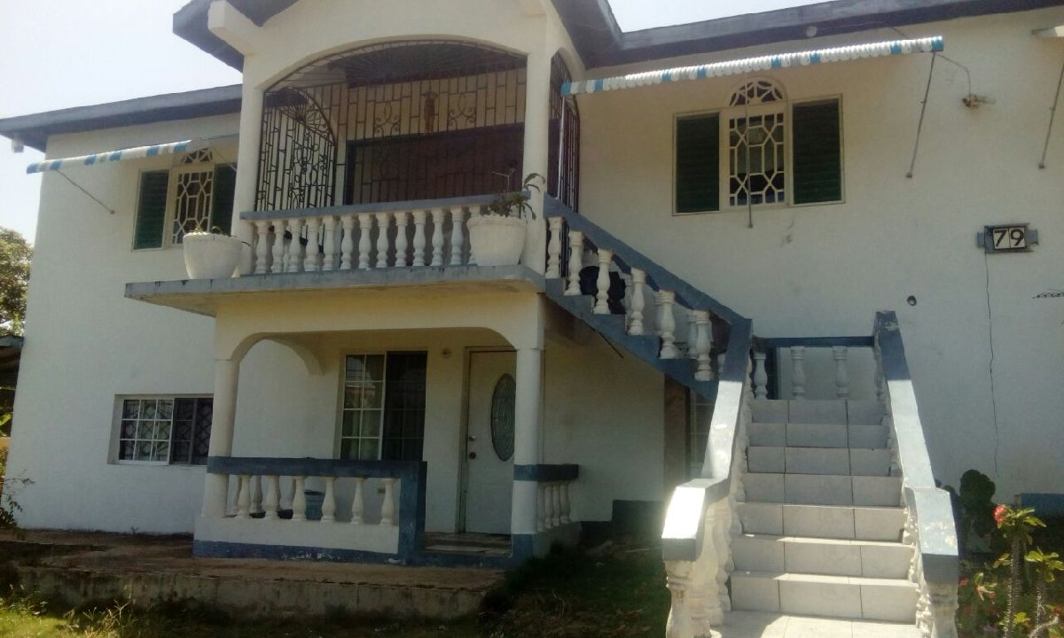 3 Bedroom 2 Bathroom Upstairs House For Rent In Retreat
