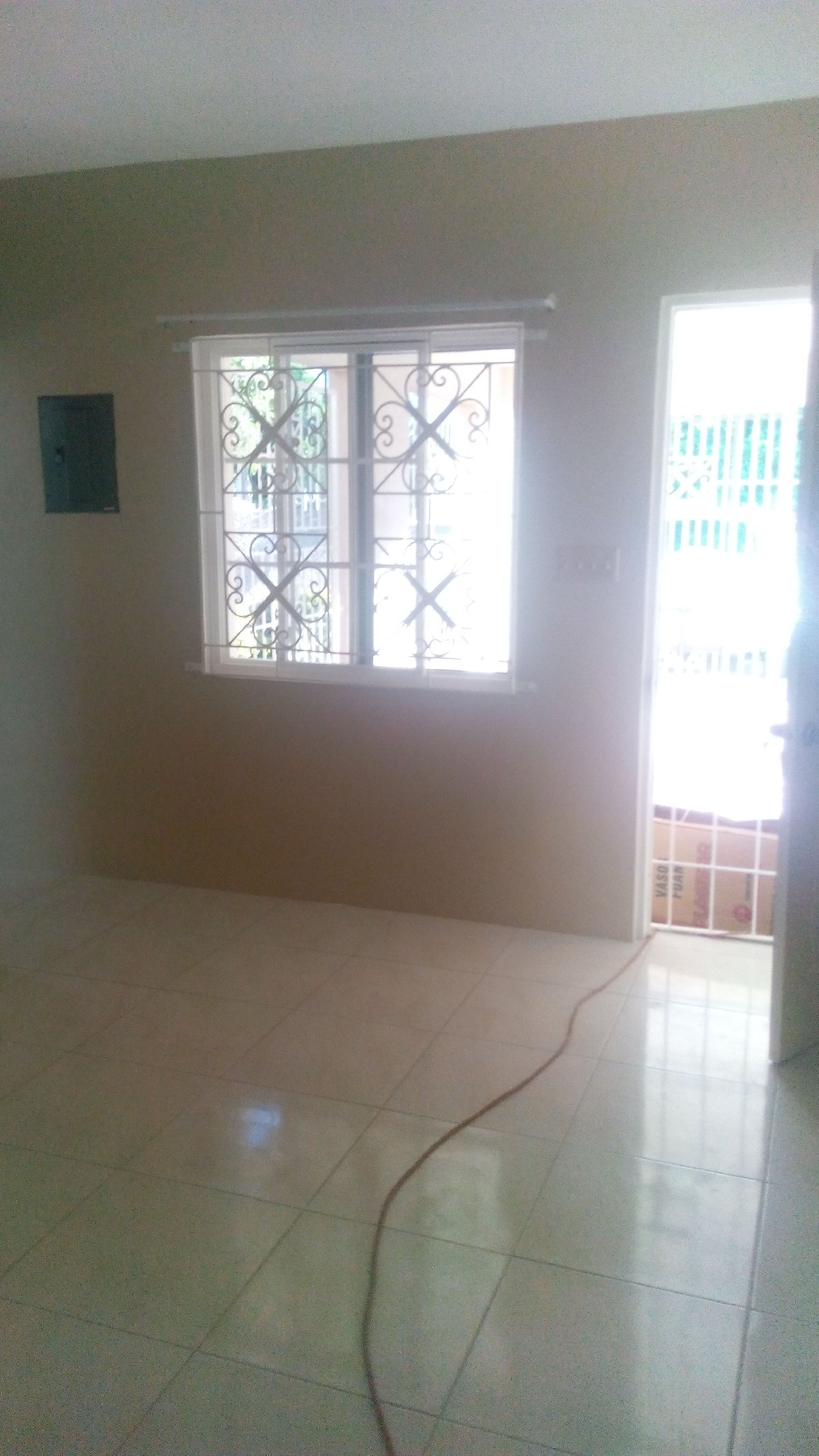 2 Bedroom 1 Bathroom Kitchen Living Dining For Rent In Molynes Kingston St Andrew Houses