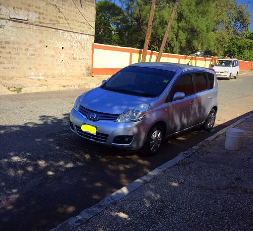 2011 Grey Nissan Note Owner Migrating
