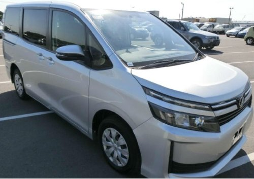 2014 TOYOTA VOXY (NEWLY IMPORTED)