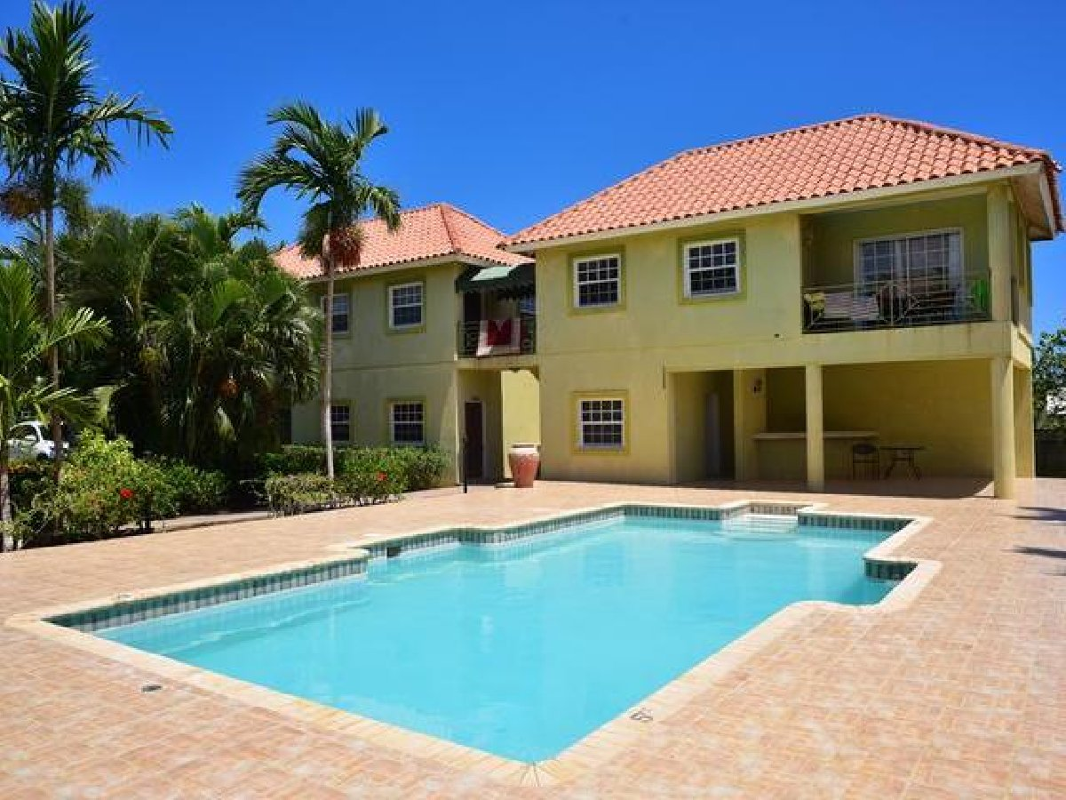 3 BEDROOMS 2 BATHROOM APARTMENT for rent in IRONSHORE St ...