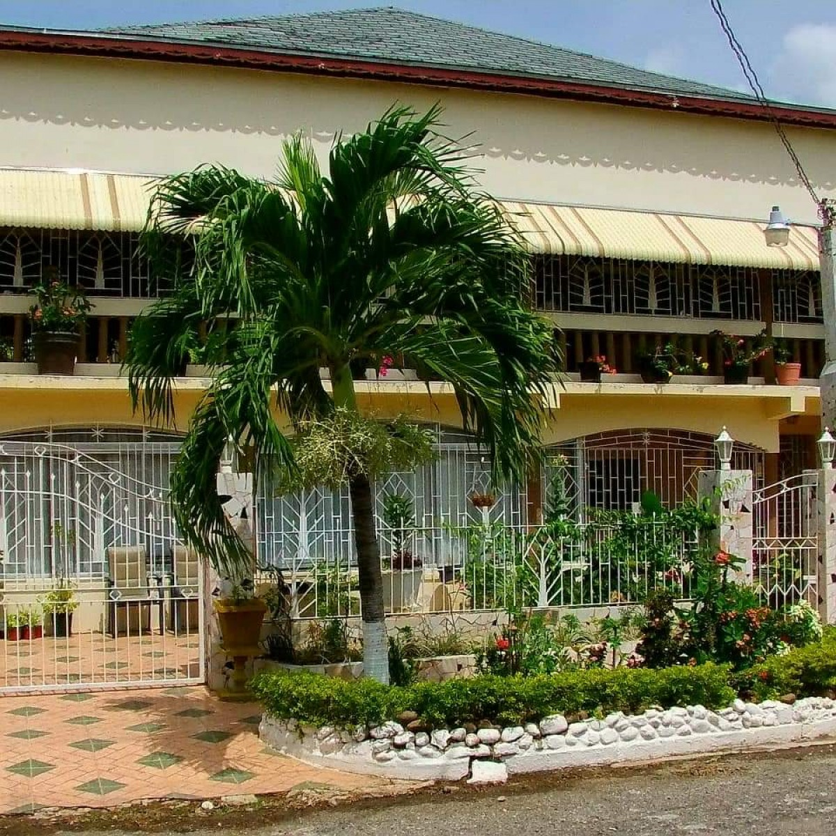 For Rent Homes: 3 Bedroom House For Rent In Ensom City, Spanish Town St