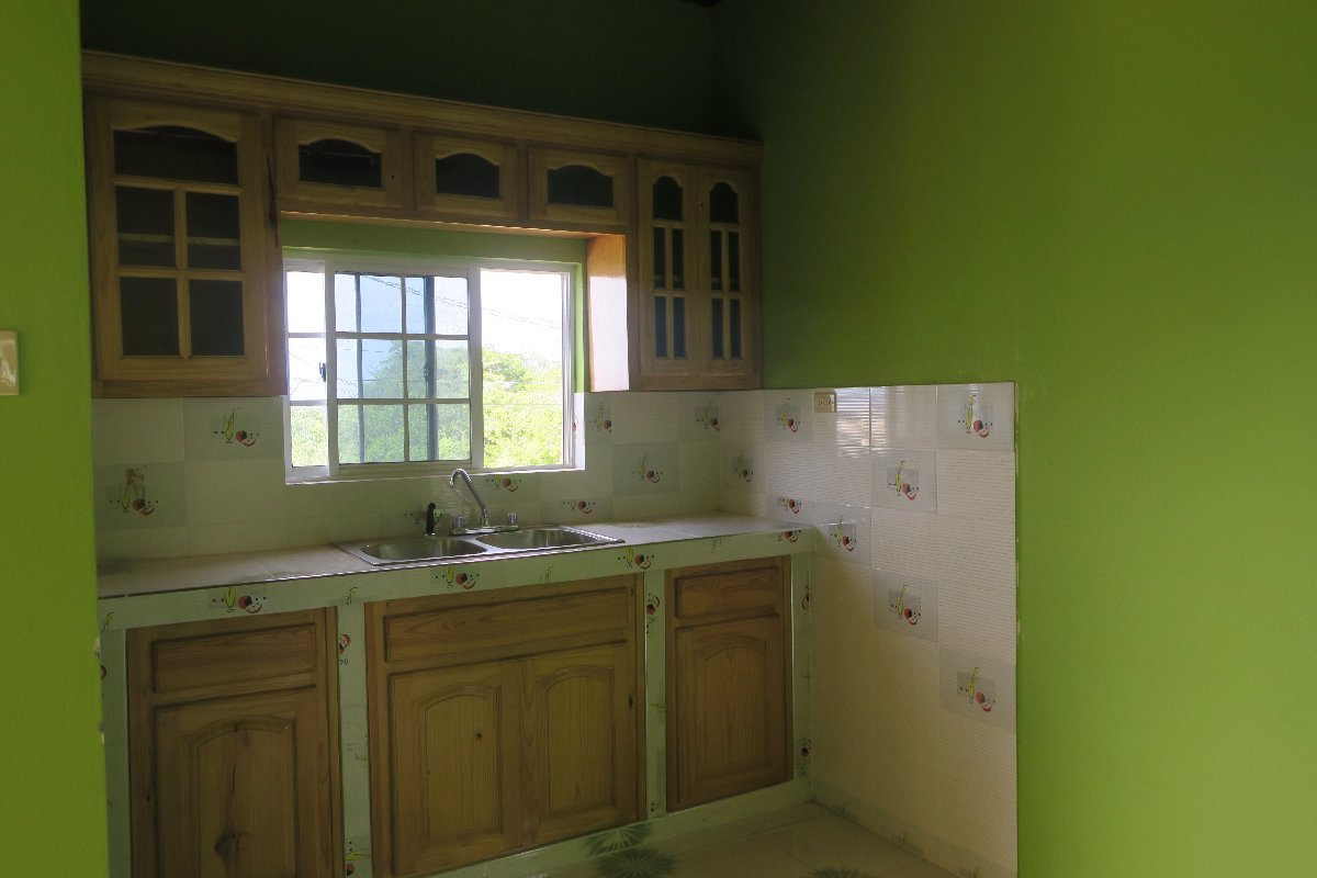 Unfurnished 2 Bedrooms 1 Bathroom For Rent In Mount