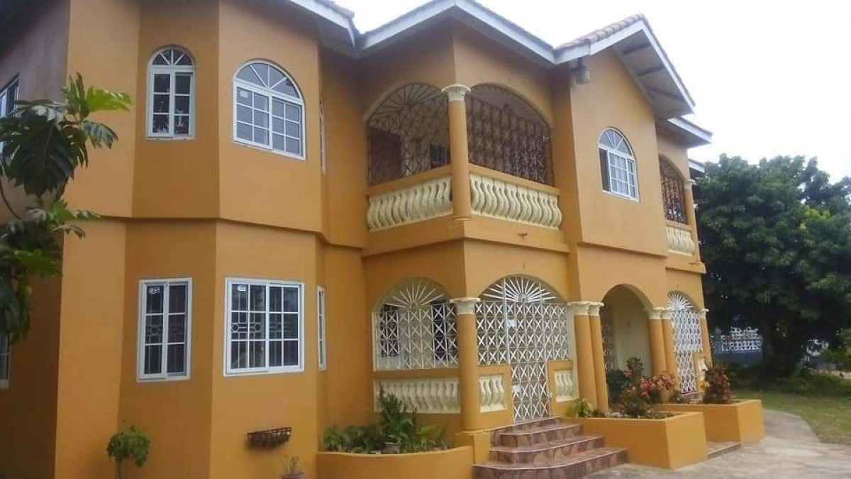 2 Bedroom 1.5 Bathroom House For Rent In Linstead St