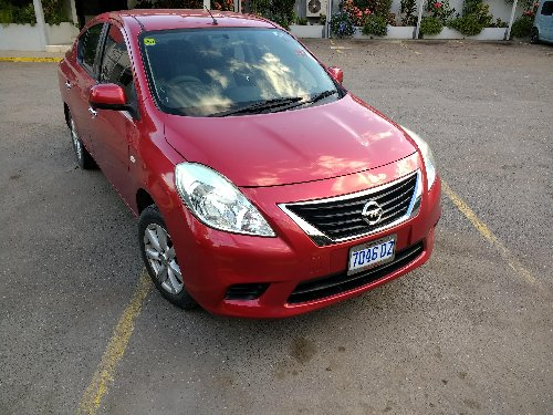 2014 Nissan Versa, Red, 48,000 Km