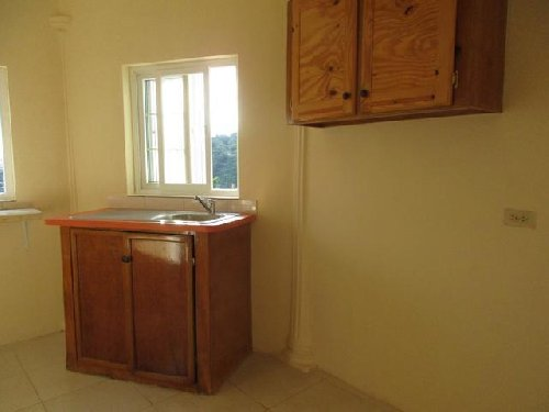 2 BEDROOM 2BATH READY TO MOVE IN ASAP