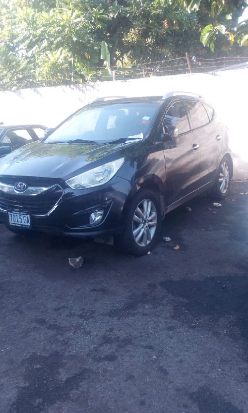 2012 Hyundai Tucson $900k Negotiable