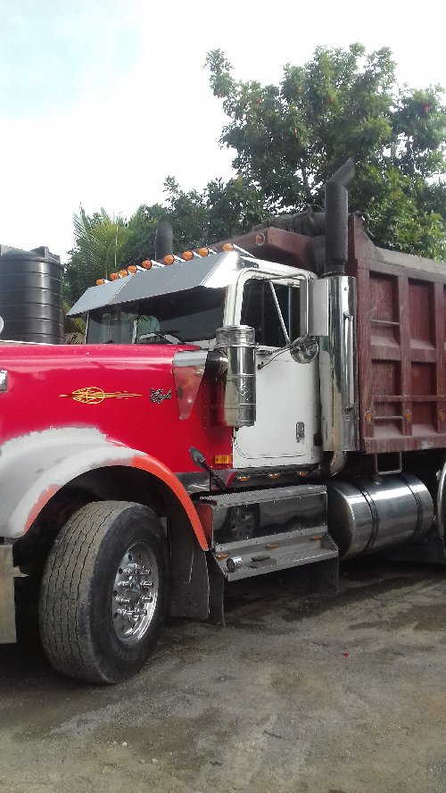 Heavy Duty Truck Available For Haulage