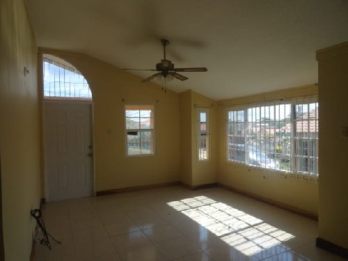 2 BEDROOM 1 BATH IN GATED COMMUNITY