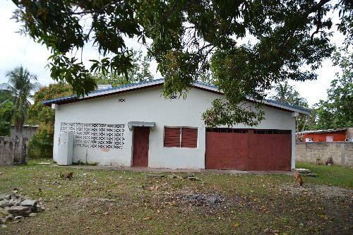 5 Bedroom Bungalow With 4000sgft Land