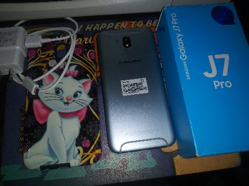 Samsung J7 Pro 3week Old 10/10 Condition