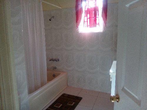 3 Bedroom 3 1/2 Bathroom HOUSE REGGAE HILL