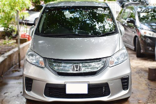 2013 HONDA FREED HYBRID (Low Mileage)