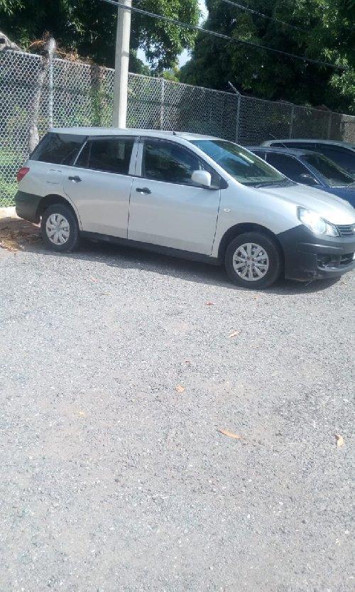 2012 Nissan AD Wagon $799k Negotiable!