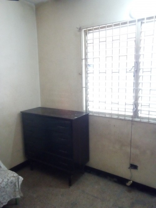 1 Bedroom ONLY !!