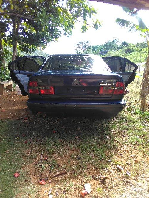 1990 BMW 520i