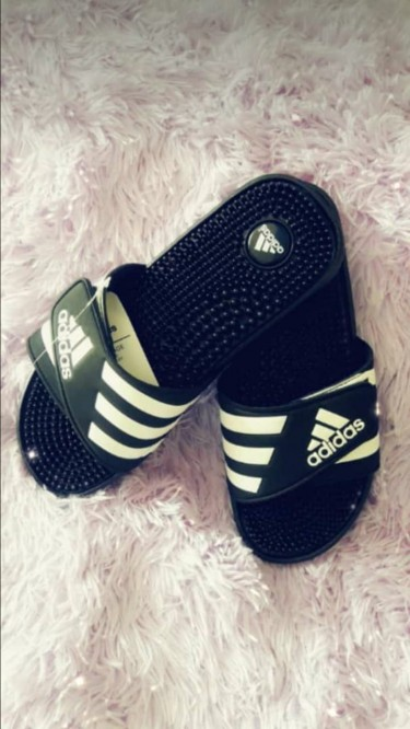 Adidas Slipers