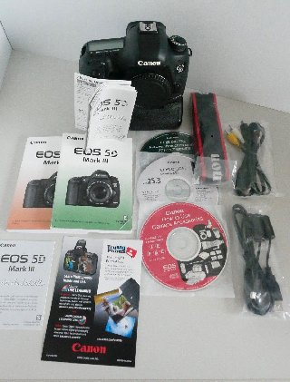 Canon Eos 5D Mark III With Lens ( Full Kits)