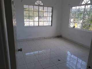2 BEDROOM 1 BATH APARTMENT