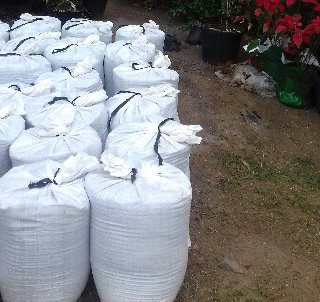Top Soil With Organic Manure For Sale By The Bag