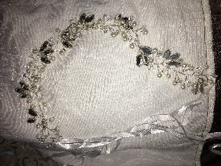 Beautiful Wedding Gown & Accessories!!