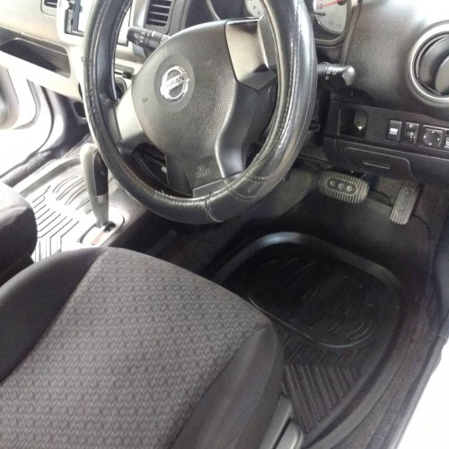 2011 Nissan note