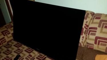 43 Inch Hisense TV