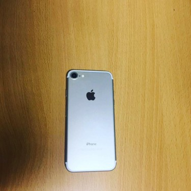 Pre Owned Unlocked I Phone 7 For Sale