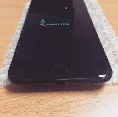 Pre Owned I Phone 7 Plus 32 Gb Black