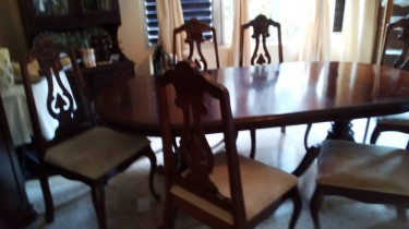 Mahogany Dining Table Set.