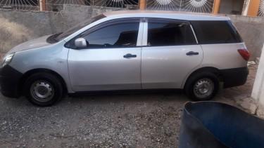 2011 Nissan AD Wagon $700k Negotiable!