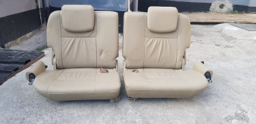 2004-2015 Toyota Fortuner Third Row Folding Seats