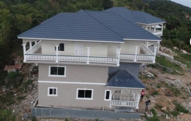 11 Bedroom House For Sale